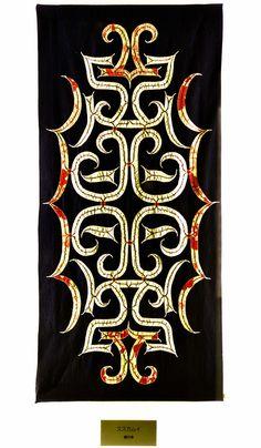 Indigenous people in Japan, Ainu. Ainu craft goods except makiri , tashiro, ita and nima. Hand Embroidery Patterns, Embroidery Kits, Embroidery Designs, Embroidery Stitches, Floral Embroidery, Machine Embroidery, Japanese Textiles, Japanese Art, Sri Lanka