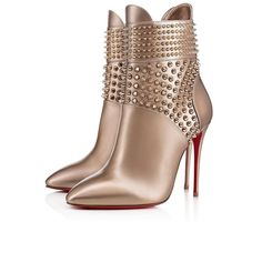 Get the must-have boots of this season! These Christian Louboutin Gold Hongroise 100 Colombe Bronze Spike Ankle Heel Stiletto Boots/Booties Size EU (Approx. US Regular (M, B) are a top 10 member favorite on Tradesy. Ankle Heels, Suede Ankle Boots, Ankle Booties, Bootie Boots, Shoe Boots, High Heels, Cl Shoes, Stilettos, Shoe Storage Bags
