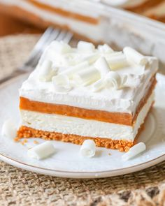 This Pumpkin Lasagna dessert is stacked with delicious layers - a Pumpkin Oreo crust, cream cheese layer, pumpkin pudding layer, and topped with cream & white chocolate curls. Easy Desserts, Delicious Desserts, Dessert Recipes, Dinner Recipes, Pumpkin Dessert, Pumpkin Cheesecake, Cheesecake Recipes, Pumpkin Bars, Cheesecake Bars
