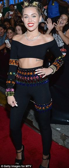 MTV VMAs 2013: Pushing the boundaries! Lady Gaga, Katy Perry and Miley Cyrus play dress-up as they battle to be the most outrageous on the MTV VMAs red carpet | Mail Online