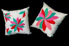 Cojines bordados a mano por artesanas de la red Niu Matat Napawika by Centrífuga taller de ideas http://ideascentrifuga.blogspot.mx/