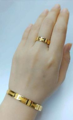 Latest gold bracelet and ring designs - Simple Craft Ideas Gold Chain Design, Gold Ring Designs, Gold Bangles Design, Gold Jewellery Design, Waist Jewelry, Anklet Jewelry, Jewelry Necklaces, Indian Jewelry Sets, Bridal Jewelry Sets