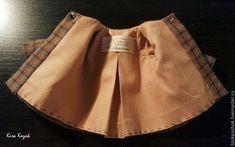 Como coser un abrigo para muñeca DIY DIY Aprende paso a paso como coser un abrigo para muñecas. DIY tutorial grafico para confeccionar un abriguito para muñeca, ya sea de tela, amigurumi o cualquier otro estilo. Fuente: https://www.livemaster.ru/ DIY Pantalones vaqueros para muñecosMuñeca de tela Geisha MaekoDIY Cazadora vaquera para muñeca con patrónMuñeca de …