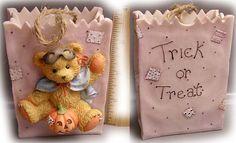 Halloween-Resin-Gift-Bag_Bear-In-Mask_141879_1995_web