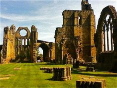 Elgin Cathedral ruins - Picture of Elgin Cathedral, Elgin ...