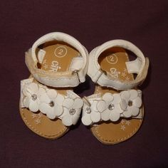 Sandals Shoes White Size 2 or 6 - 9 Months Baby Girls Circo Flowers 2009 Target  #Target #Sandals http://stores.ebay.com/ktefashionandcollectibles?_trksid=p2047675.l2563