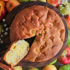 MIC DEJUN ȚĂRĂNESC CU CARTOFI ȘI OUĂ PRĂJITE I Rețetă + Video – Valerie's Food Apple Pie, Bacon, Dairy, Desserts, Tailgate Desserts, Deserts, Postres, Dessert, Apple Pie Cake