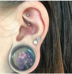 Image shared by LOLA☪. Cool Ear Piercings, Types Of Piercings, Cartilage Piercings, Tongue Piercings, Gauges, Ear Jewelry, Body Jewelry, Stretched Lobes, Piercing Tattoo