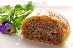 Hackfleisch-Blätterteig-Strudel 1 Weight Watcher, Tasty Meatballs, Most Delicious Recipe, Best Meat, Puff Pastry Recipes, Mince Meat, Diy Food, Carne, Food To Make