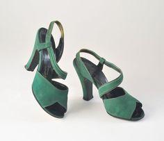 Vintage 1940s Emerald Green Suede Shoes Slingback Open Toe Heels sur Etsy, $112.14 CAD