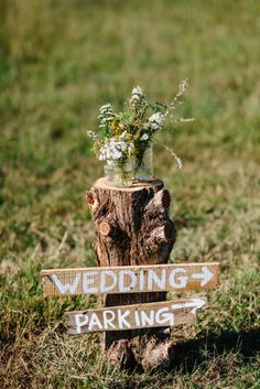 DIY rustic stump wedding decoraiton sign for you to follow in 2018
