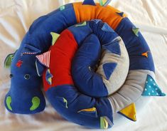 Bettschlange / Puckdrache Properties Of Materials, Elmo, Color Mixing, Bean Bag Chair, Weaving, Kite, Felting, Bed, Toy