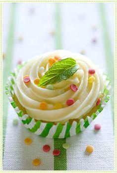Mint & Coconut Cupcakes