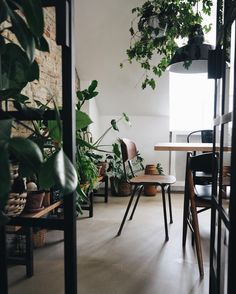 Vintage Interior Design my scandinavian home: A Cosy Danish Loft Full of Plants Villa Design, Design Hotel, House Design, Vintage Interior Design, Home Interior Design, Interior And Exterior, Living Room Decor, Living Spaces, Scandinavian Living
