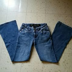 Urban Behavior jeans Gently used medium wash semi-flare leg. 98% cotton!Double front button closure. Size 00. No rips or stains. Good condition.  Make an offer!!! Urban Behavior Jeans
