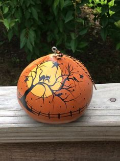 Ornament Halloween Gourd Cat in Tree Vintage Style retro   Etsy Pumpkin Painting Party, Pumpkin Art, Pumpkin Crafts, Pumpkin Carving, Pumpkin Ideas, Mickey Mouse Pumpkin, Disney Pumpkin, Halloween Gourds, Halloween Crafts