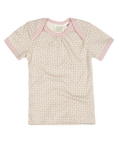 This fun short sleeve t-shirt is exclusively designed by Sapling, an Australian company specialising in 100% organic cotton children's wear.    Starburst. Dusty Pink. Made from super soft, high quality, double jersey.  100% GOTS certified organic cotton.   Printed with 100% GOTS approved water based dyes that are free from toxic chemicals and heavy metals, a safer choice for babies. Features an envelope neckline for easy dressing Proudly made in India under fair trade terms and conditions.