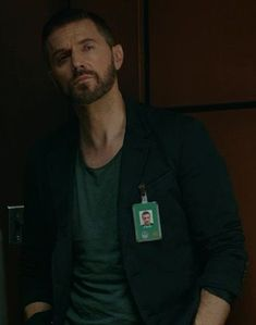Richard Armitage as Daniel Miller in Berlin Station Season 2 Berlin Station, Thorin Oakenshield, Human Soul, Richard Armitage, Actors, Season 2, Handsome Man, Tom Hiddleston, Beards