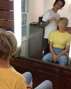 The grow out from a pixie Medium Hair Styles, Short Hair Styles, Grown Out Pixie, Pelo Pixie, Long Pixie, Pinterest Hair, Grow Out, Dream Hair, Hair Today