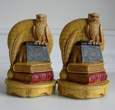 I love Syroco, and this set of book ends from them are the most amazing I've seen yet! *drool*