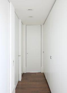 Moderne plafond hoge binnendeuren op maat. #anyway #anyway doors