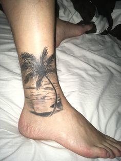 Tattoo palm