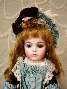 Bru Antique doll reproduction by Hiroko Saito.