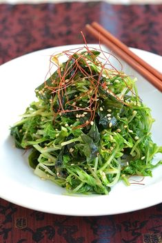 わかめとあわせて食物繊維たっぷり〜♪シャキシャキ水菜とピリ辛ダレが後をひき、食が増します。 ダイエット中にもオススメです