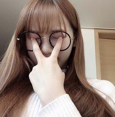 K-Pop Babe Pics – Photos of every single female singer in Korean Pop Music (K-Pop) Sweet Girls, Cute Girls, Cool Girl, Kpop Aesthetic, Aesthetic Girl, Rapper, Troll Face, Cute Glasses, Yu Jin