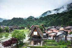 Places in Honshu: Takayama, Shirakawago and Kanazawa. Japan Countryside, Countryside Village, Most Beautiful Gardens, Beautiful Places, Japan Village, Shirakawa Go, Kanazawa, Maui Vacation, Visit Japan