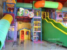 Área de brincar dentro da cidade dos sonhos - Tudo sobre viajar com crianças para um resort all inclusive maravilhoso no interior paulista, pertinho de Campinas, Piracicaba e da Capital Paulista: O MAVSA Resort.