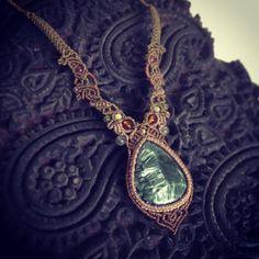 "99 Likes, 5 Comments - Macrame Jewelry MANO (@macrame_jewelry_mano) on Instagram: ""今日のマクラメ。 セラフィナイトマクラメネックレス。 #macrame #Accessories #Necklace #セラフィナイト #マクラメ"""