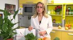 Celebra nutriţionistă Mihaela Bilic demontează unul dintre cele mai mari mituri alimentare româneşti despre SLĂNINA DE PORC. Pe cât de gustoasă este, pe atât de periculoasă se crede că este pentru sănătate, mai ales pentru cei care au probleme cu COLESTEROLUL. Iată că lucrurile nu stau chiar aşa, ci Diet, Pork