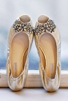 Flat Wedding Shoes For The Love Of Comfort And Style ❤ See more: http://www.weddingforward.com/flat-wedding-shoes/ #weddings