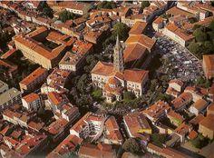 Autour de la basilique St Sernin, Toulouse. @sebonlvoyage