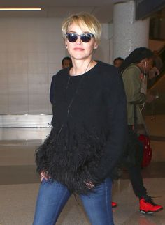 Sharon Stone chega ao LAX em Los Angeles, CA 15/03/2016