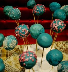 Как сделать кейк-попсы - пошаговый рецепт и мастер-класс на Pteat.ru! Секреты и возможные ошибки! Теперь этот модный и весёлый десерт точно у вас получится!