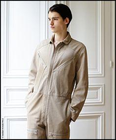 La combinaison pilote de Louis Vuitton | Vogue