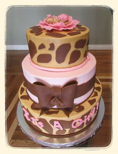 Giraffe for a girl! Baby Shower Venues, Baby Girl Shower Themes, Girl Baby Shower Decorations, Baby Shower Cakes, Baby Cakes, Giraffe Birthday Parties, Birthday Cakes, Giraffe Cakes, Pink Giraffe