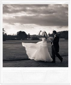 Jeff is an award winning wedding photographer best known for his documentary style. He was voted as one of the ten best wedding photographers in the world. Best Wedding Photographers, Marriage, Wedding Photography, World, Wedding Ideas, Weddings, Creative, Fashion, Fotografia