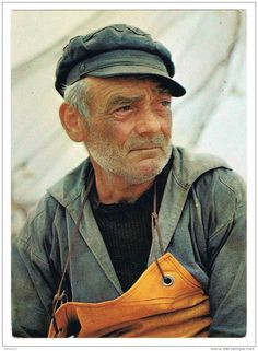 Carte postale : vieux marin pêcheur 1982 Postcard : old fisherman 1982 via ww Old Fisherman, Face Study, Sea Captain, Portraits, Interesting Faces, Old Men, Sailor, Cool Pictures, Character Design
