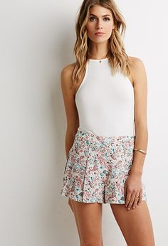Pleated Floral Print Shorts | Forever 21 - 2000116221