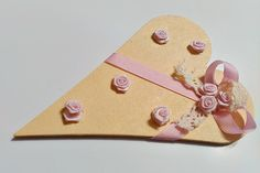 béžovo-ružové srdce na dvere