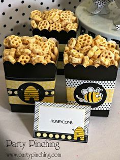 Bee Snack - Honeycomb cereal-----Maybe mix in some yellow candies and dark chocolate chips to make a trail mix. Bumble Bee Birthday, Baby Bumble Bee, Bee Cookies, Mommy To Bee, Bee Party, Ideias Diy, Boy Baby Shower Themes, Shower Baby, Bee Theme