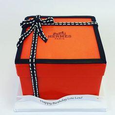 hermes box cake - Hermes Box - Ideas of Hermes Box - hermes box cake Hermes Box, Hermes Paris, 3d Cakes, Boxes For Sale, Cake Boss, Box Cake, Fashion Bags, Cake Toppers, Cake Decorating