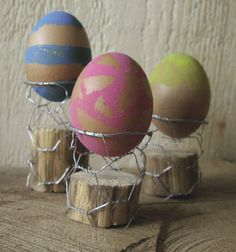 Chicken wire egg cups By Craft Gossip -- see more at LuxeFinds.com