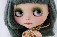 Silvana by LaVir: Simply Lilac RBL Blythe doll with green by LaVir