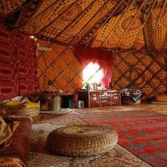 Mongolian Yourte interior style inspiration by ConfidentLiving. Hang Fabric in drapes from ceiling Yurt Living, Tiny Living, Living Room, Mongolian Yurt, Yurt Home, Interior Styling, Interior Design, Bohemian Interior, Casas Containers