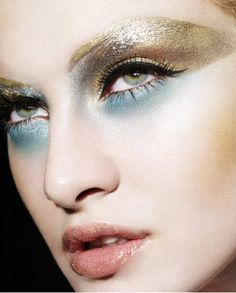 Amazing Make Up Looks For Christmas Party 2013 2014 6 Amazing Make Up Looks For Christmas Party 2014 Makeup Inspo, Makeup Art, Makeup Inspiration, Hair Makeup, Gold Makeup, Makeup Eyes, Make Up Looks, Blaues Make-up, Art Visage