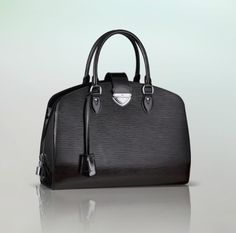 9f4e927dd2f76 (Width Height Depth) 5.9 11.8 14.6 inches - Epi leather